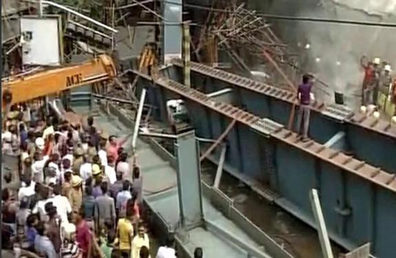 Kolkata Flyover collapses