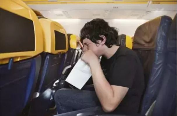 Vomiting-on-the-bus-train-or-plane-journey-These-methods-will-give-you-relief-1
