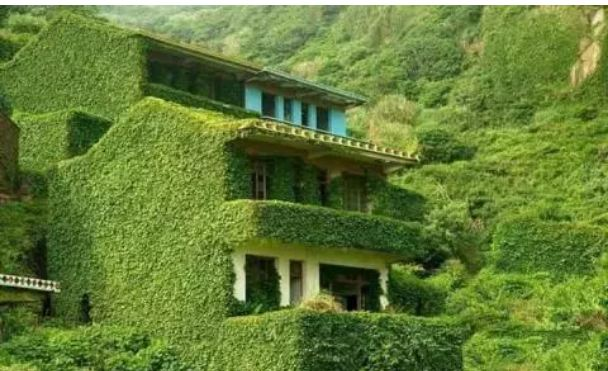 1-village-relocated-in-China-by-nature-hearts-will-be-happy-to-see-photos