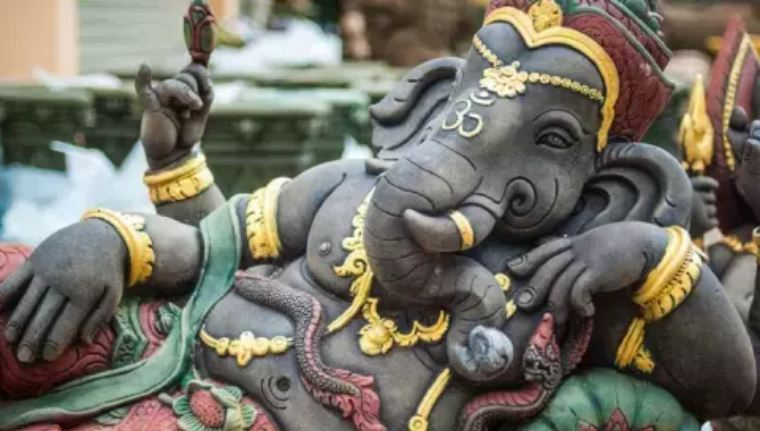 If-you-want-wealth-in-the-house-then-keep-the-idol-of-Lord-Ganesha-in-the-house-in-this-way