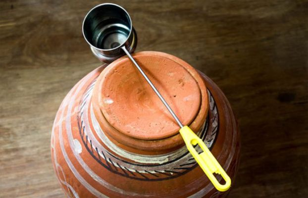 Is-it-healthy-to-drink-water-from-a-clay-pot