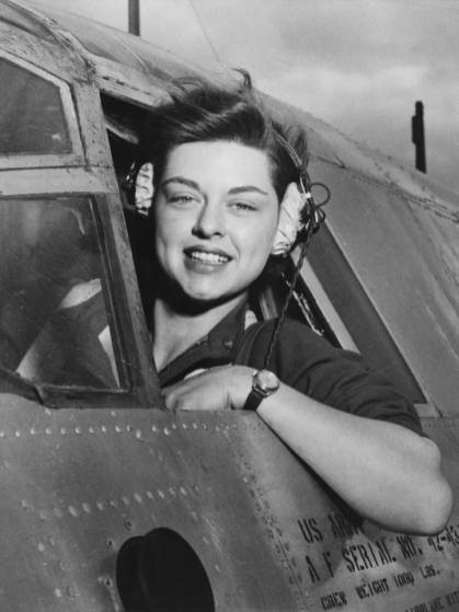 Woman serving as United States Air Force pilot
