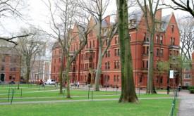 USA-Harvard_University_Yard1