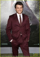 Beautiful Creatures Premieres in Hollywood