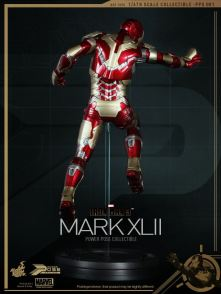 mark-xlii-iron-man-3-hot-toys-figure