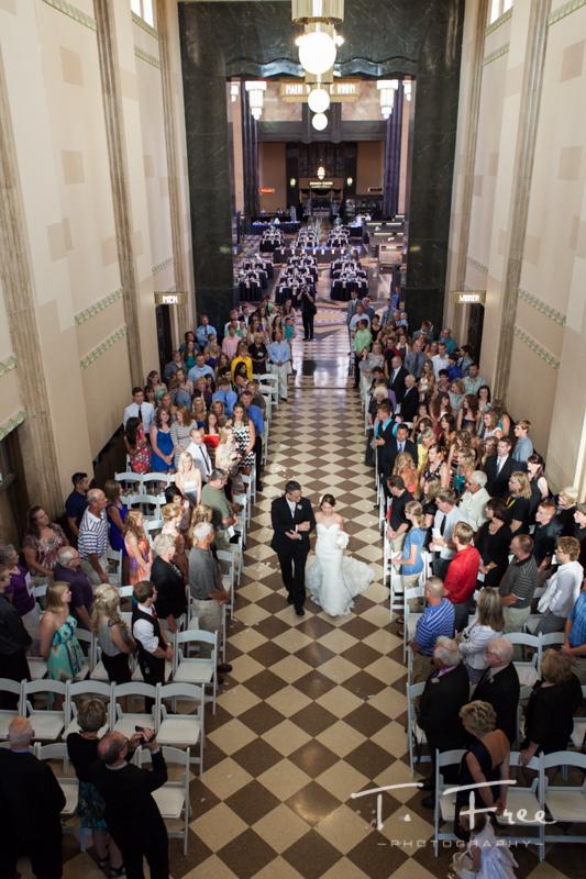 Durham Museum Wedding Omaha Photographer Brian Amp Mariah