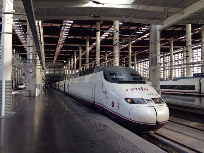 鉄道AVE2100でマドリードからコルドバへ
