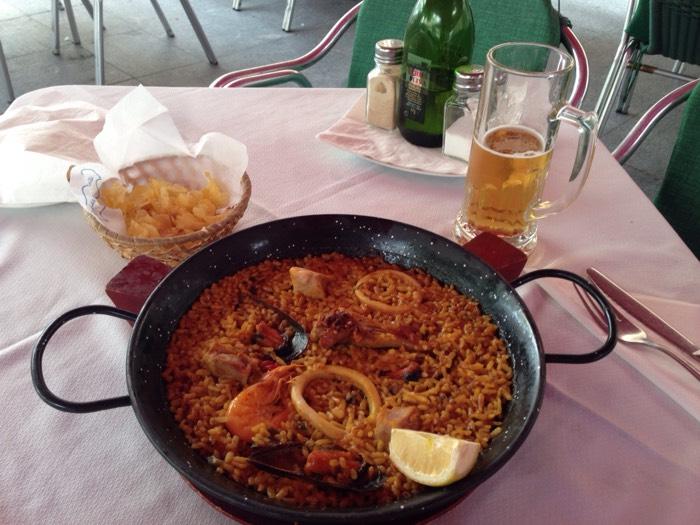 スペイン人気料理のパエリヤに挑戦!コルドバの夕食。