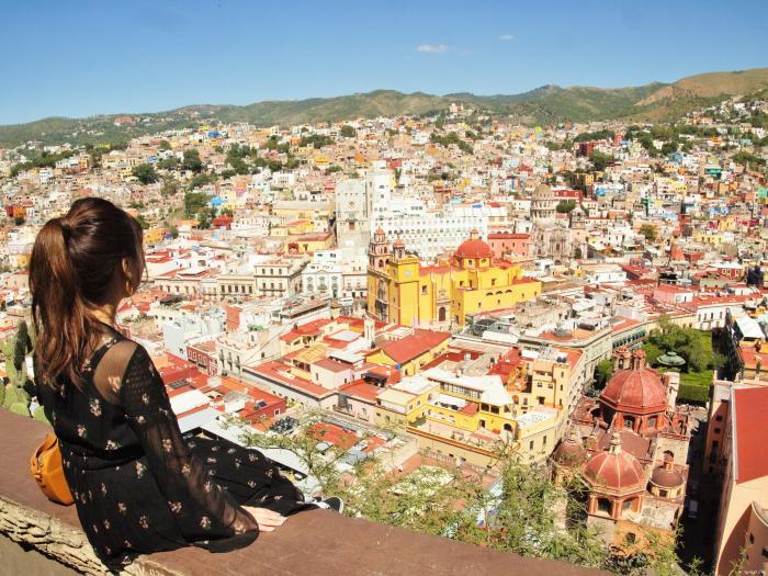メキシコのグアナファトを一望できるピピラの丘