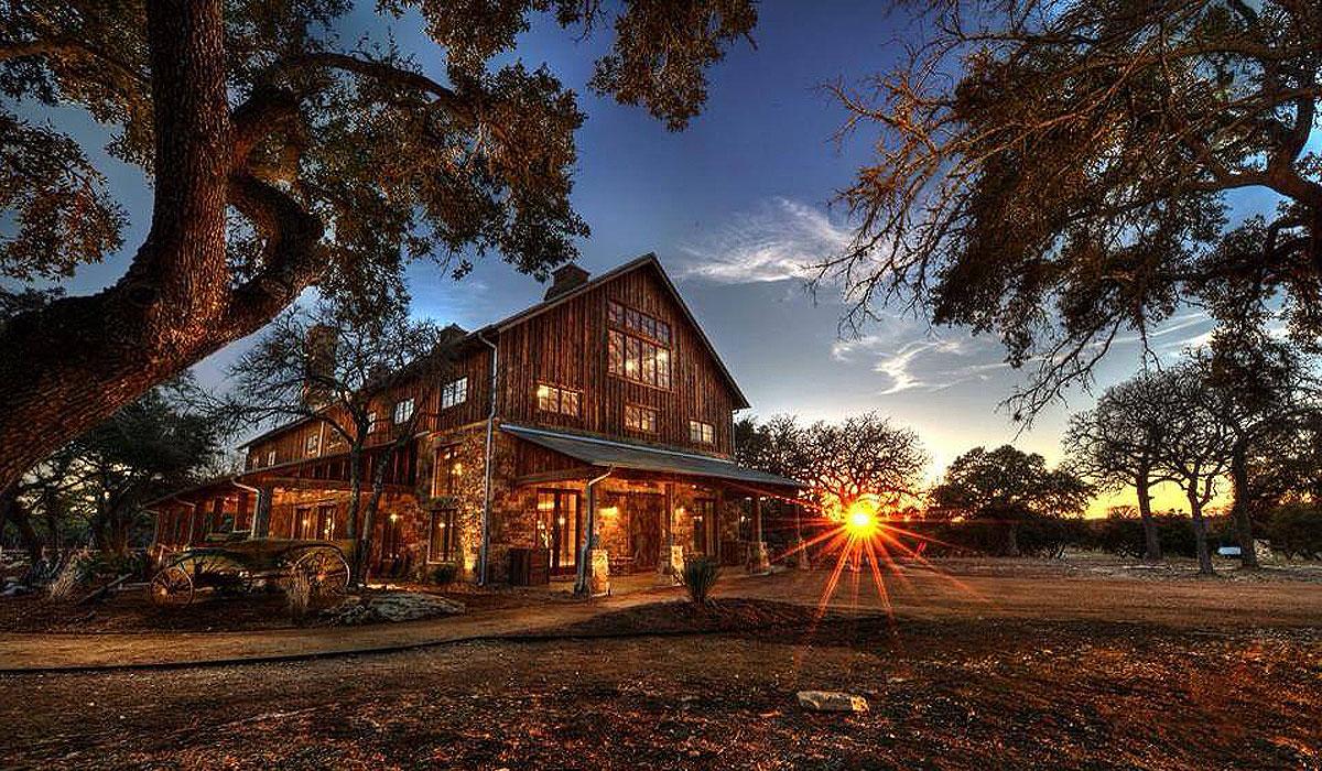 25 Breathtaking Barn Wedding Venues Southern Living