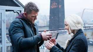 Minka Kelly and Alan Ritchson in Titans (2018)