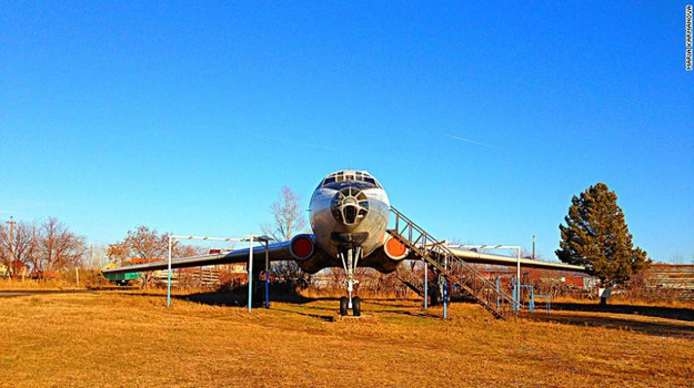 Karmanova's Tu104A in restoration