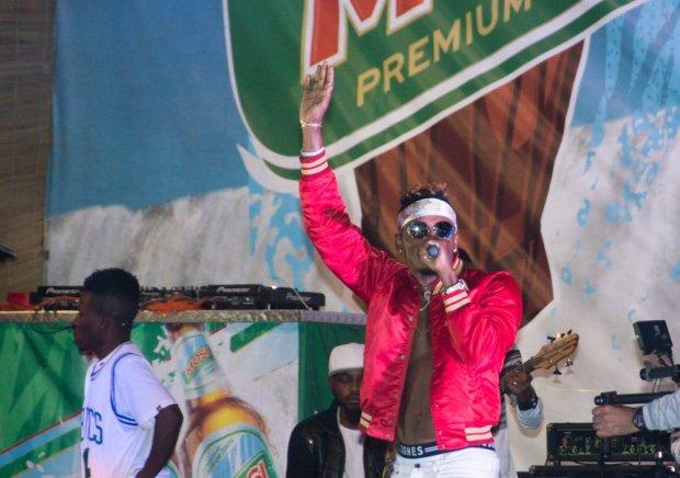 Flashback: Diamond Platnumz live on stage at the 2017 Mosi Day of Thunder.