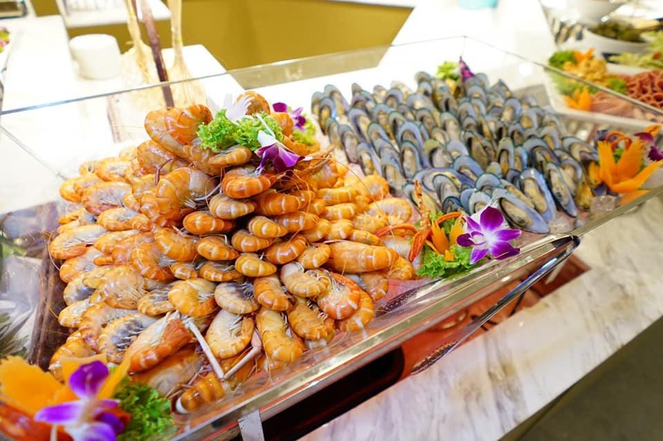 บุฟเฟต์อาหารทะเล ไม่ทอั้นในไลน์บุฟเฟต์