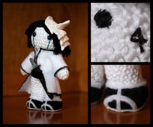 Ulquiorra Amigurumi by ~fleetingdawn
