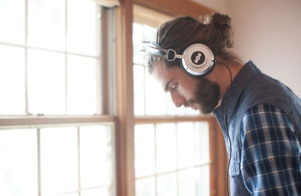 Menswear-Lifestyle-Over-Ear-Headphones-Male-Model