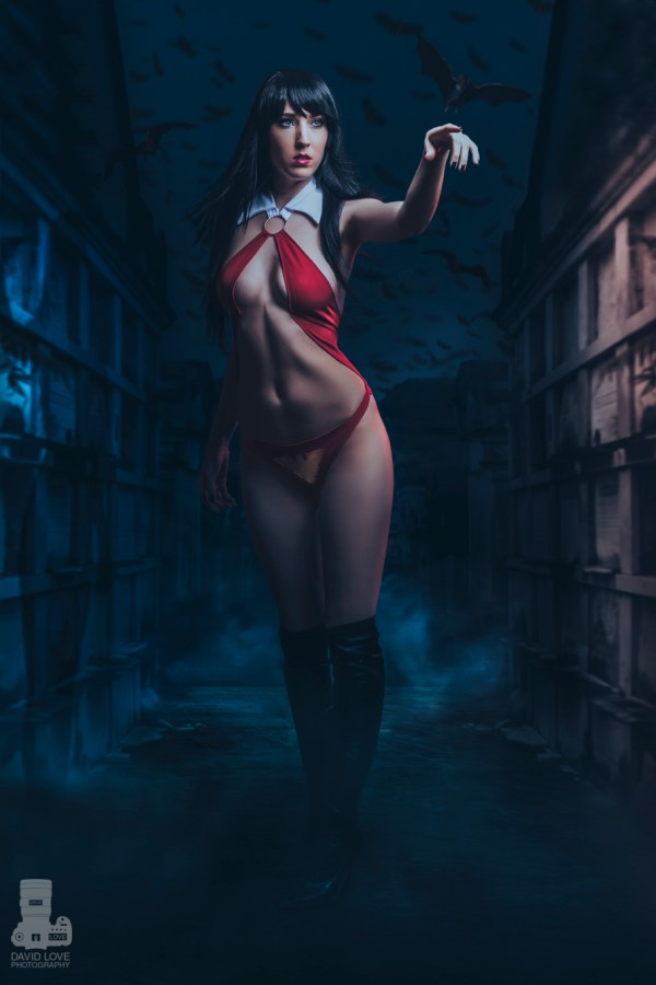 female-cosplay-by-jj-fox-vampirella