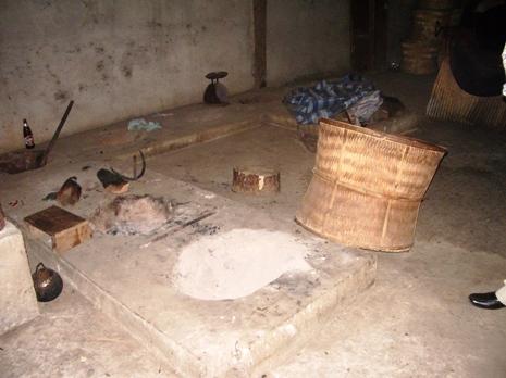 Vorrichtung zum Rösten des Tees in Pang Kham mit Korb