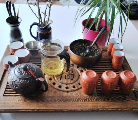 Teezeremonie : Gong Fu Cha Setup 4, Der erste Aufguss 3