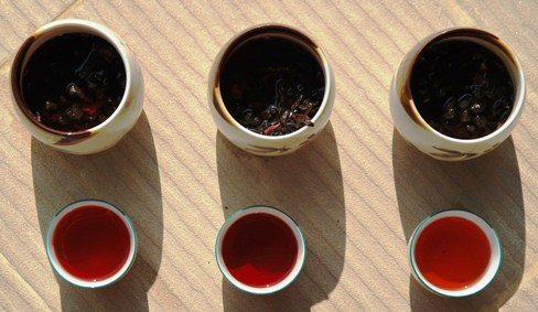 Schwarzer Tee Rosella Hibiskus Teemischung EXP 1_3