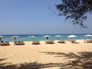 Вид из отеля на пляж Найтон.