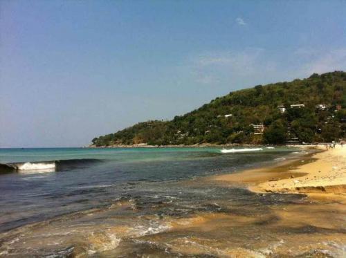 1. Karon beach black water and sand (1)