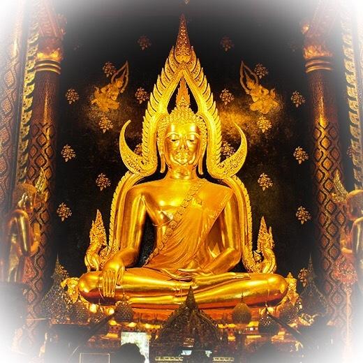 Pra Putta Chinarat Buddha Statue Pitsanuloke
