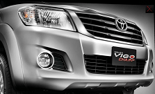 2012 Toyota Hilux Vigo comes with new bold grill and bumper