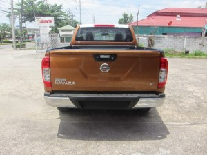 2015-Savannah-Orange-Nissan-Navara-NP300-rear