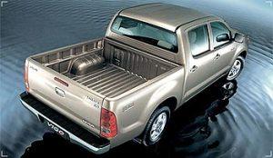 2004-Classic-Toyota-Hilux-Vigo4