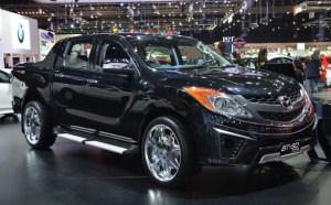 2016-Mazda-BT-50-show-side