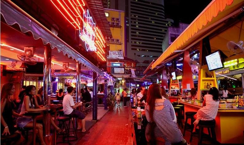 Nana Plaza / Soi 4 Bangkok