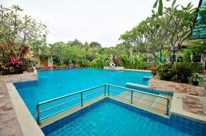 villa wanida garden resort budget hotels Naklua bay