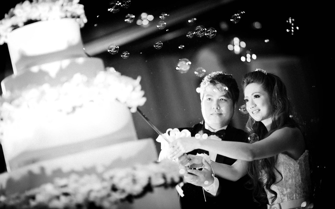Photo of the Day: Cake Cutting