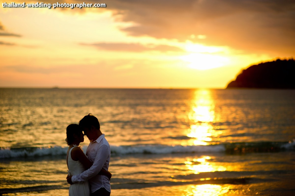 Photo of the Day: Prenuptial with sunset on Phuket Beach