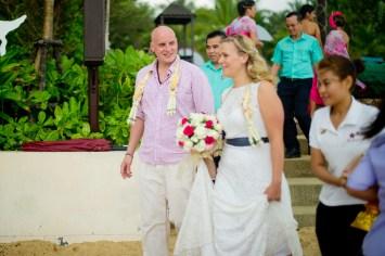 Madeline and Matthew's Bo Phut Resort & Spa Vow Renewal in Samui, Thailand. Bo Phut Resort & Spa_Samui_wedding_photographer_Madeline and Matthew_0416.TIF