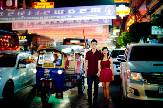 Yuchen and Wenquan's China Town pre-wedding (prenuptial, engagement session) in Bangkok , Thailand. China Town_Bangkok _wedding_photographer_Yuchen and Wenquan_0371.TIF