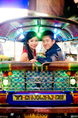 Cherlyn and Ben's China Town pre-wedding (prenuptial, engagement session) in Bangkok, Thailand. China Town_Bangkok_wedding_photographer__1303.TIF