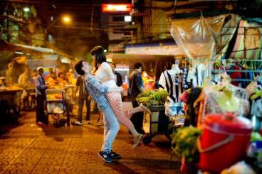 Tatiana and Alex's China Town pre-wedding (prenuptial, engagement session) in Bangkok, Thailand. China Town_Bangkok_wedding_photographer__1371.TIF