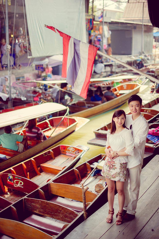 Yuchen and Wenquan's Damnoen Saduak Floating Market pre-wedding (prenuptial, engagement session) in Ratchaburi , Thailand. Damnoen Saduak Floating Market_Ratchaburi _wedding_photographer_Yuchen and Wenquan_0344.TIF