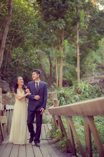 Ya-Win and Ray's Huay Keaw Waterfall pre-wedding (prenuptial, engagement session) in Chiang Mai, Thailand. Huay Keaw Waterfall_Chiang Mai_wedding_photographer_Ya-Win and Ray_0285.TIF