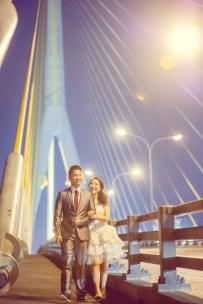 Edith and Joe's Rama VIII Bridge pre-wedding (prenuptial, engagement session) in Bangkok, Thailand. Rama VIII Bridge_Bangkok_wedding_photographer_Edith and Joe_1576.JPG
