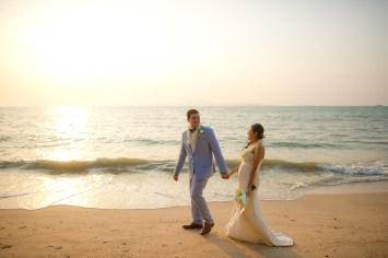 Raagini and Jeremy's Royal Varuna Yacht Club wedding in Pattaya, Thailand. Royal Varuna Yacht Club_Pattaya_wedding_photographer_Raagini and Jeremy_0632.TIF