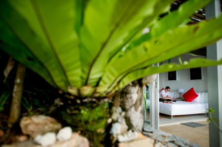 Dona and Austin's The Headland Villas Koh Samui wedding in Koh Samui, Thailand. The Headland Villas Koh Samui_Koh Samui_wedding_photographer_Dona and Austin_1737.TIF