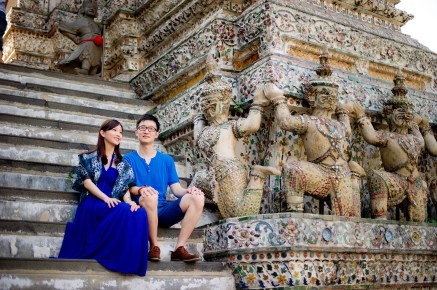 Yuchen and Wenquan's Wat Arun pre-wedding (prenuptial, engagement session) in Bangkok , Thailand. Wat Arun_Bangkok _wedding_photographer_Yuchen and Wenquan_0360.TIF