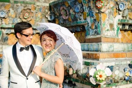 Loh and Jason's Wat Arun pre-wedding (prenuptial, engagement session) in Bangkok, Thailand. Wat Arun_Bangkok_wedding_photographer_Loh and Jason_1812.TIF