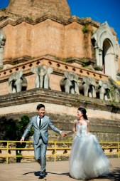Ya-Win and Ray's Wat Chedi Luang Worawihan pre-wedding (prenuptial, engagement session) in Chiang Mai, Thailand. Wat Chedi Luang Worawihan_Chiang Mai_wedding_photographer_Ya-Win and Ray_0280.TIF
