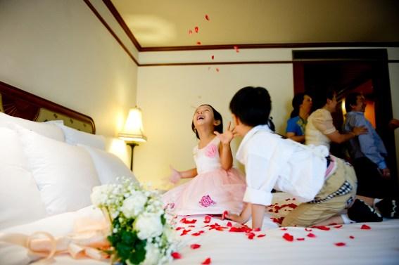 Oratai and Sophon's Anantara Riverside Bangkok Resort wedding in Bangkok, Thailand. Anantara Riverside Bangkok Resort_Bangkok_wedding_photographer_Oratai and Sophon_41.TIF