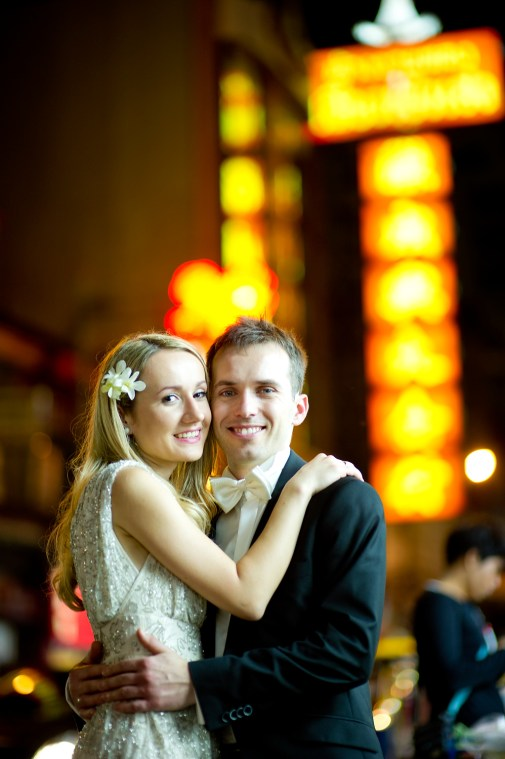 Anna and Kamil's China Town pre-wedding (prenuptial, engagement session) in Bangkok, Thailand. China Town_Bangkok_wedding_photographer_Anna and Kamil_13.TIF