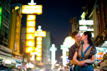 Kristine and Kent's China Town pre-wedding (prenuptial, engagement session) in Bangkok, Thailand. China Town_Bangkok_wedding_photographer_Kristine and Kent_256.TIF